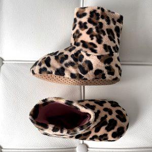 Baby GAP Grrrrr Leopard Print Booties 5/6T